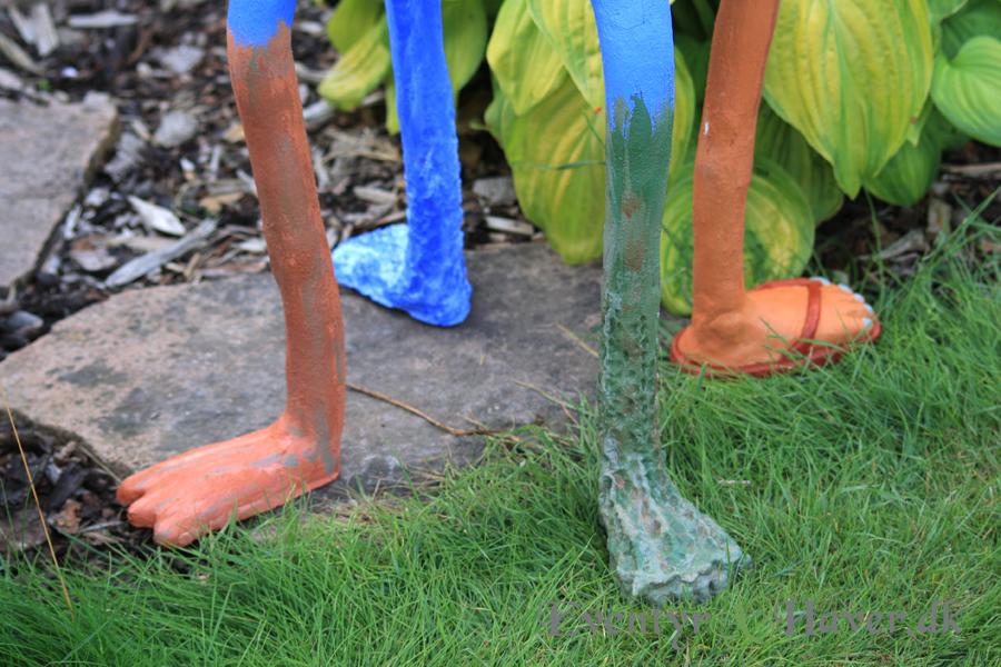 De forskellige ben er lavet i formbart fiberbetotn