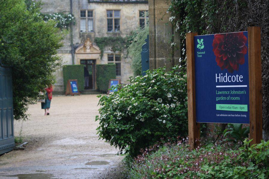 Indgang til haven ved Hidcote Manor i Cotswolds