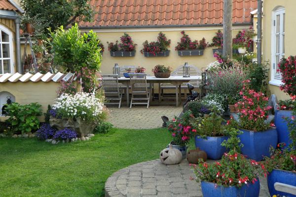 skøn eventyrlig have
