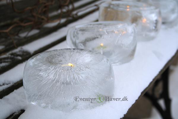 Frosne lanterner lavet af vand og balloner