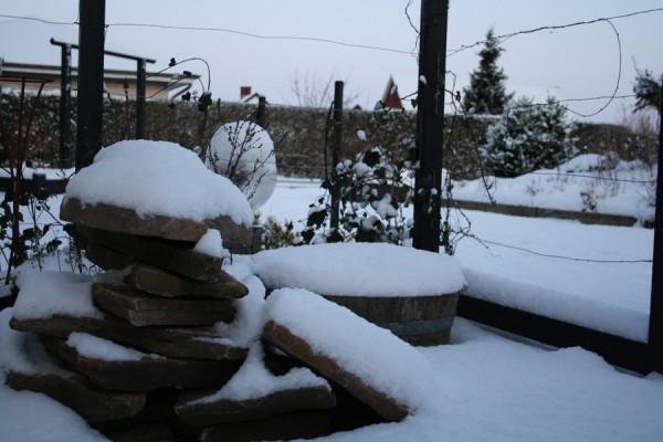Stemningsbillede fra Eventyr Haver's indgang i sne og frost