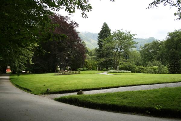 Så smuk er de store vidder i landskabshaven ved Baroniet i Rosendal, Norge