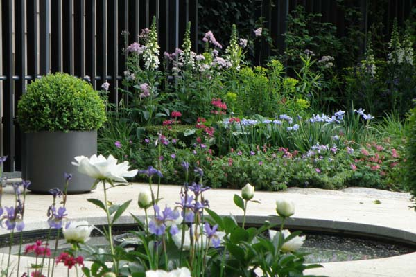 Canser Research Garden - Chelsea Flower Show 2010