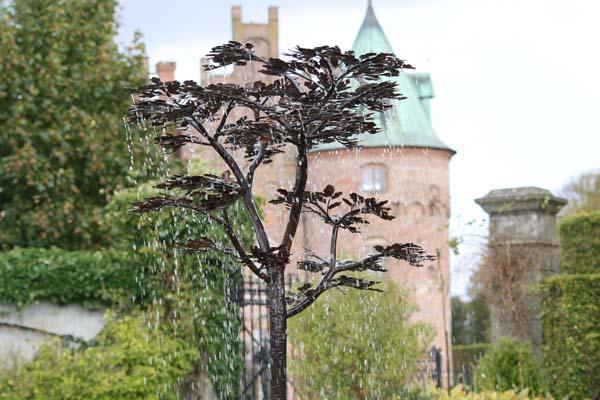 Fundament til rindende træ på Egeskov slot